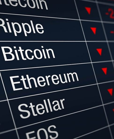 Cryptocurrency Market Falls Sharply, Bitcoin Loses Over 8% Slipping Below $3900